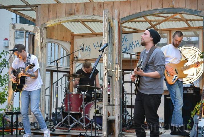 Die Band Mykket Morton bewegt sich zwischen Indie, Ska und Songwriter-Traditionen. | Bild: Corinna Raupach
