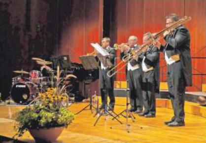 """Das Bläserensemble """"Quattro Brass"""" mit Markus Ziegler, Fritz Daschner, Walter Ruf und Michael Sapulovic (von links) Fotos: Christel Voith"""